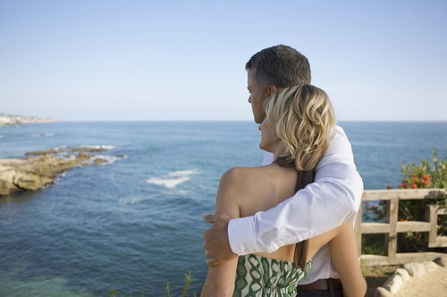 How-to-Book-a-Romantic-Getaway-to-Propose[1]