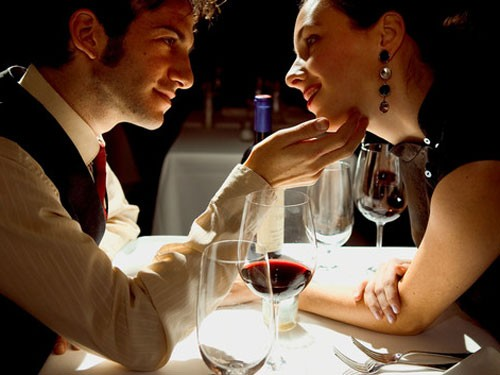 romantic-dinner-valentine[1]