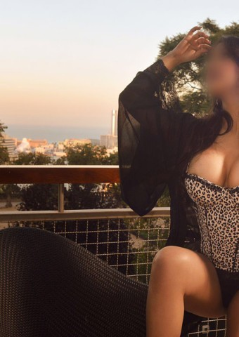 criagslist girls looking for guys Victoria