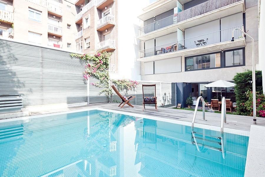 apartamentos de lujo en Barcelona summer garden 2