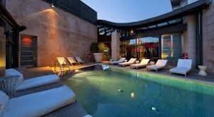 Terraza en Madrid hotel urban 5 estrellas gran lujo