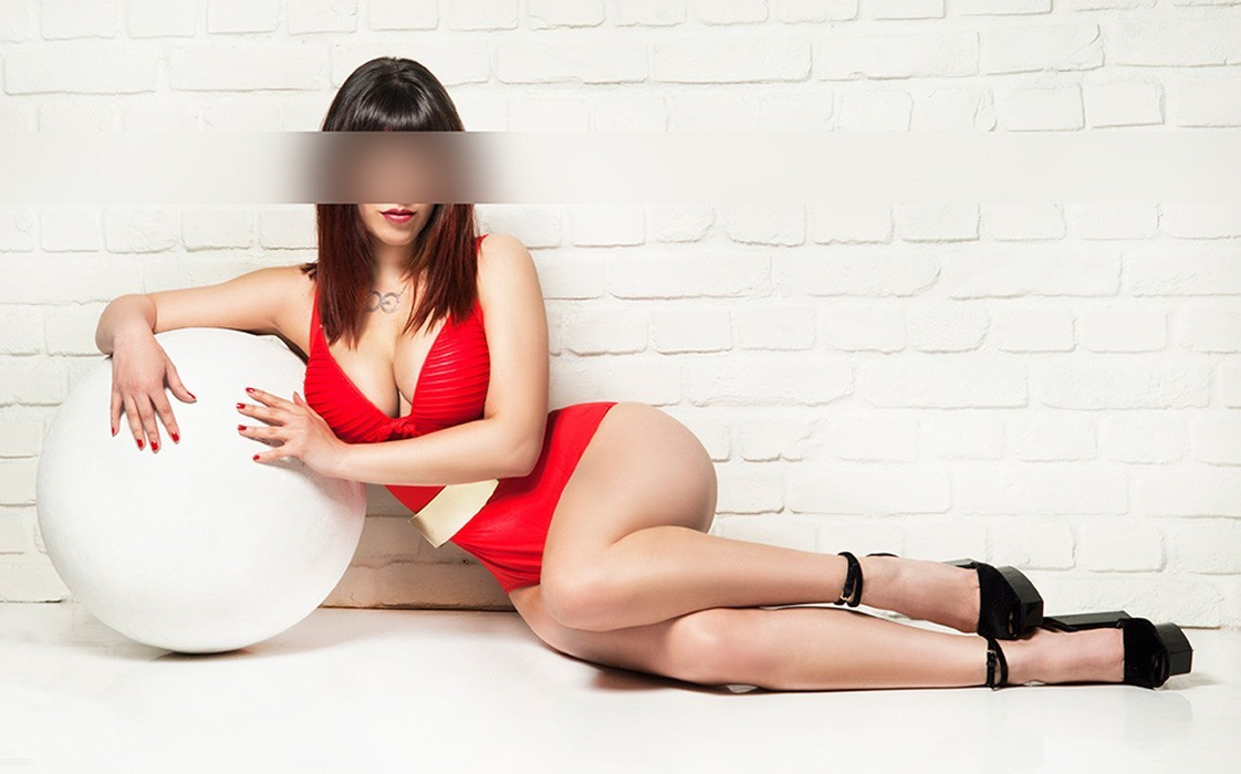 BRITISH MATURE ESCORT GIRL BOURG