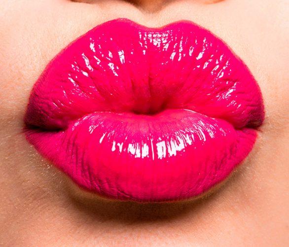 besos gran 1 586x500 - Kisses