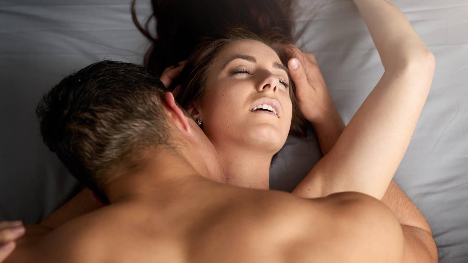 Postura de la penetracion invertida - Posturas sexuales realmente innovadoras