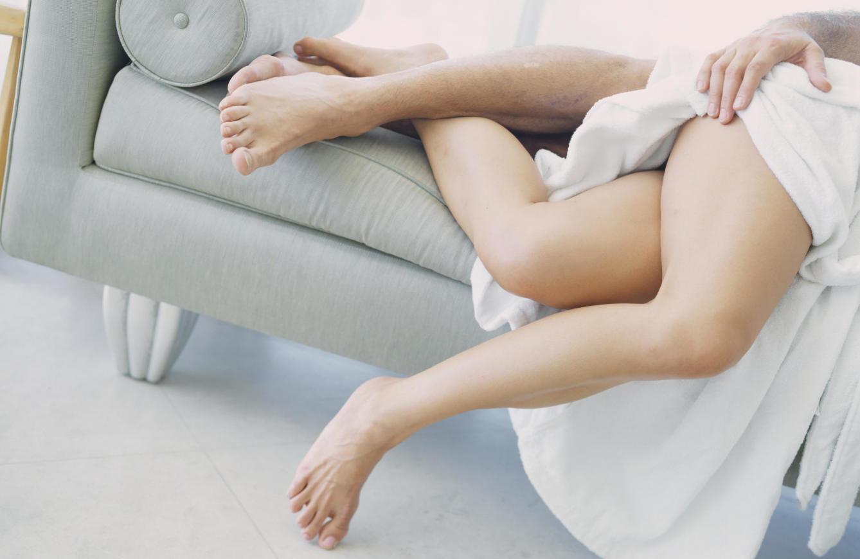 Perrito acomodado - Las mejores posturas para tener sexo cuando se tiene un pene pequeño