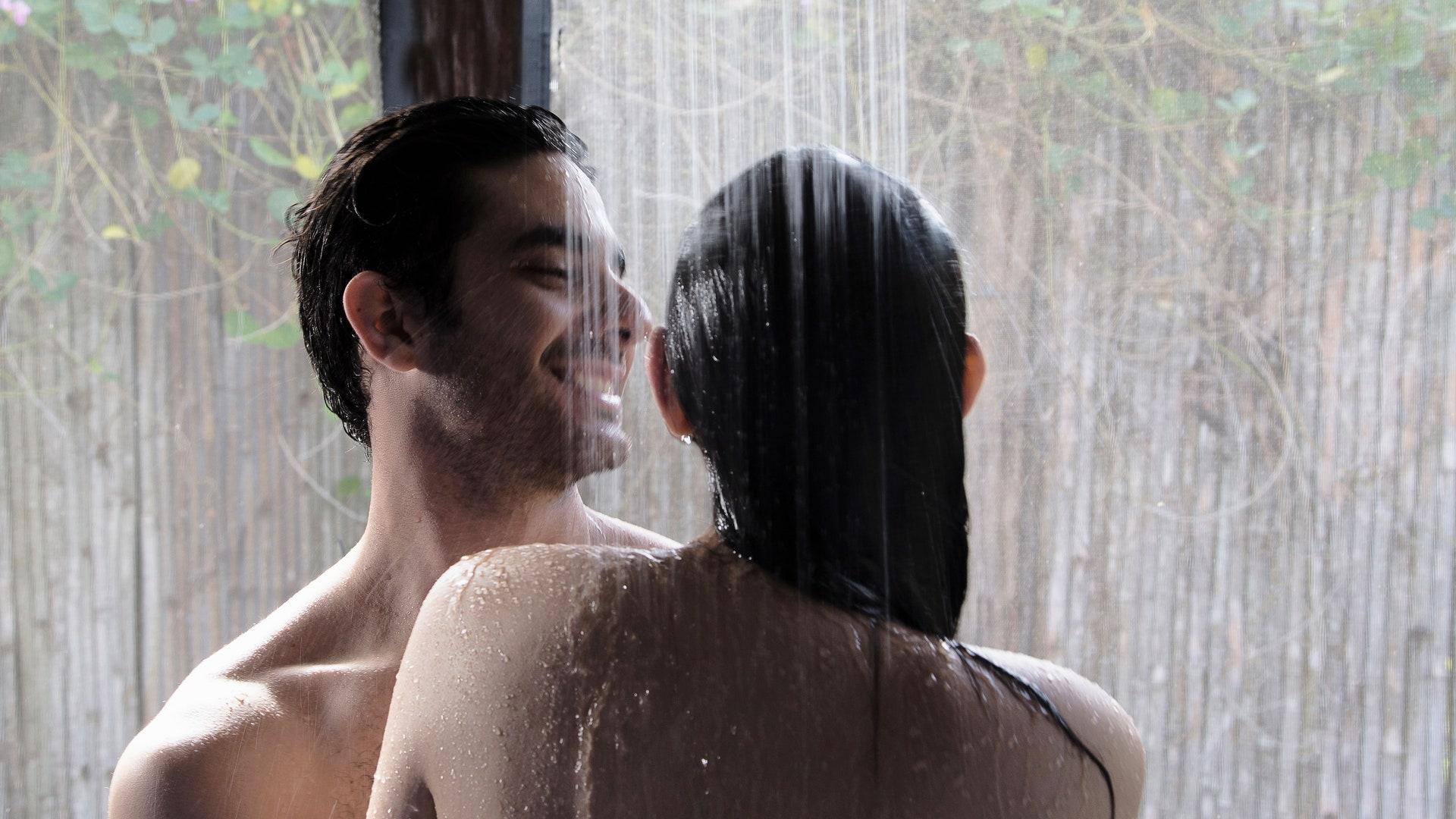 Sexo en ducha - Sexo en bañera: las mejores posturas y consejos para disfrutar al máximo